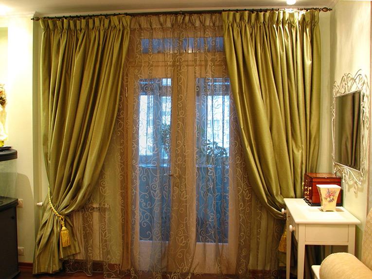 №1-классические-шторы-в-интерьере-спальни